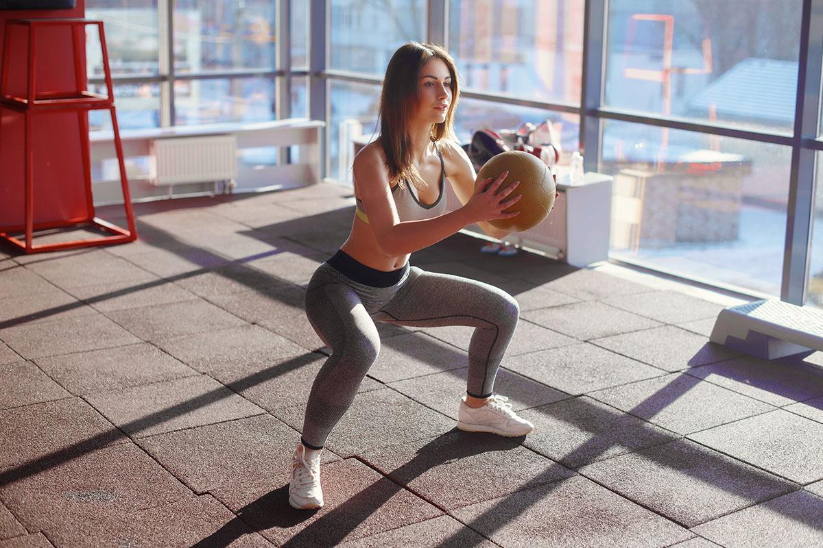 esercizi palla medica